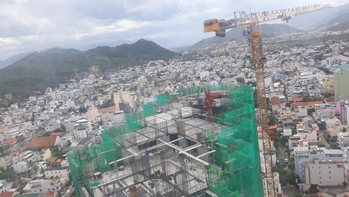 Dự án Scenia Bay Nha Trang khi dự án đã thi công đến tầng 23 – 24