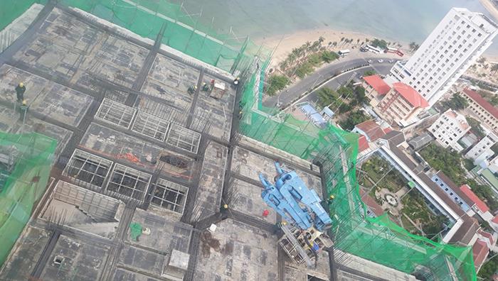 Các tầng tầng 15,16,17 đang được triển khai xây tường và tô mặt ngoài các tầng từ 6 – 12.