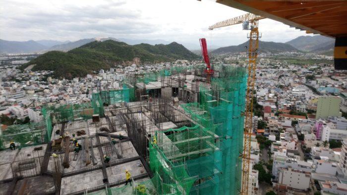 Phân căn hộ dự án đang tiến hành các công việc chuẩn bị cho việc đổ sàn tầng 28 - 29